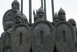Монумент Ледовое побоище. Фрагмент.