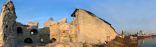 Руины Варламской башни